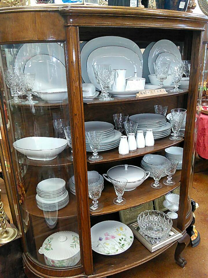 Antique and decor boutique la porte tx for Decor n more